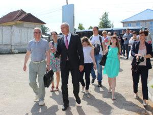 Экскурсию ведет В.В. Харитонов