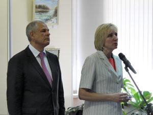 На вопросы отвечают Е.Н. Савинова и В.В. Харитонов